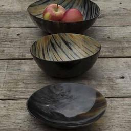 Set 2 horn bowls & 1 plate