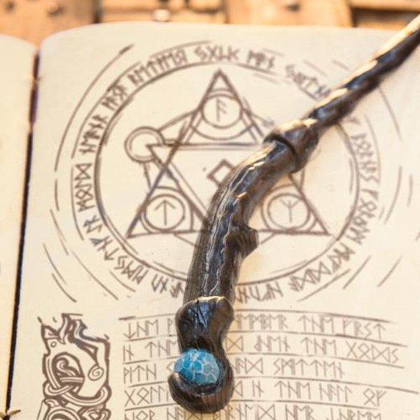 Epic Armoury Bacchetta Druid, nero