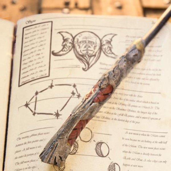 Epic Armoury Wand Dagon, brązowy