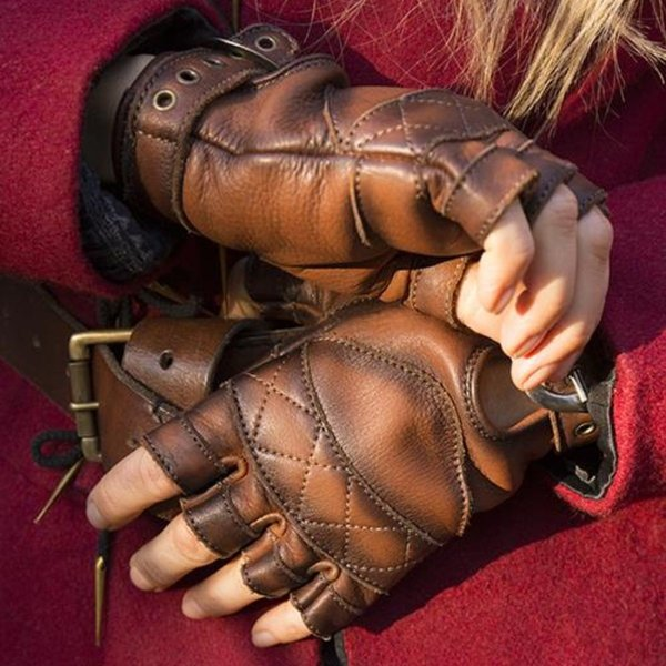 Epic Armoury Leather fingerless gloves, brown