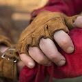 Epic Armoury Guanti senza dita in pelle scamosciata, marrone