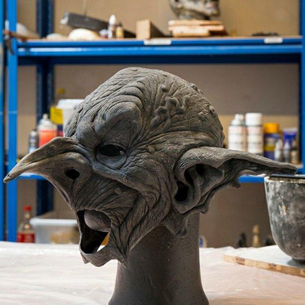 Epic Armoury Goblin mask, omålade