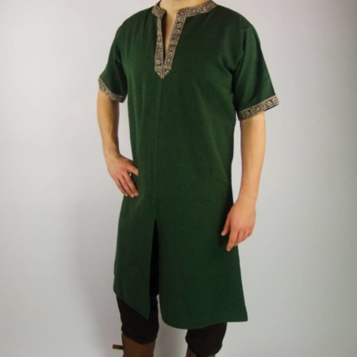 Leonardo Carbone Túnica celta, mangas cortas, crema