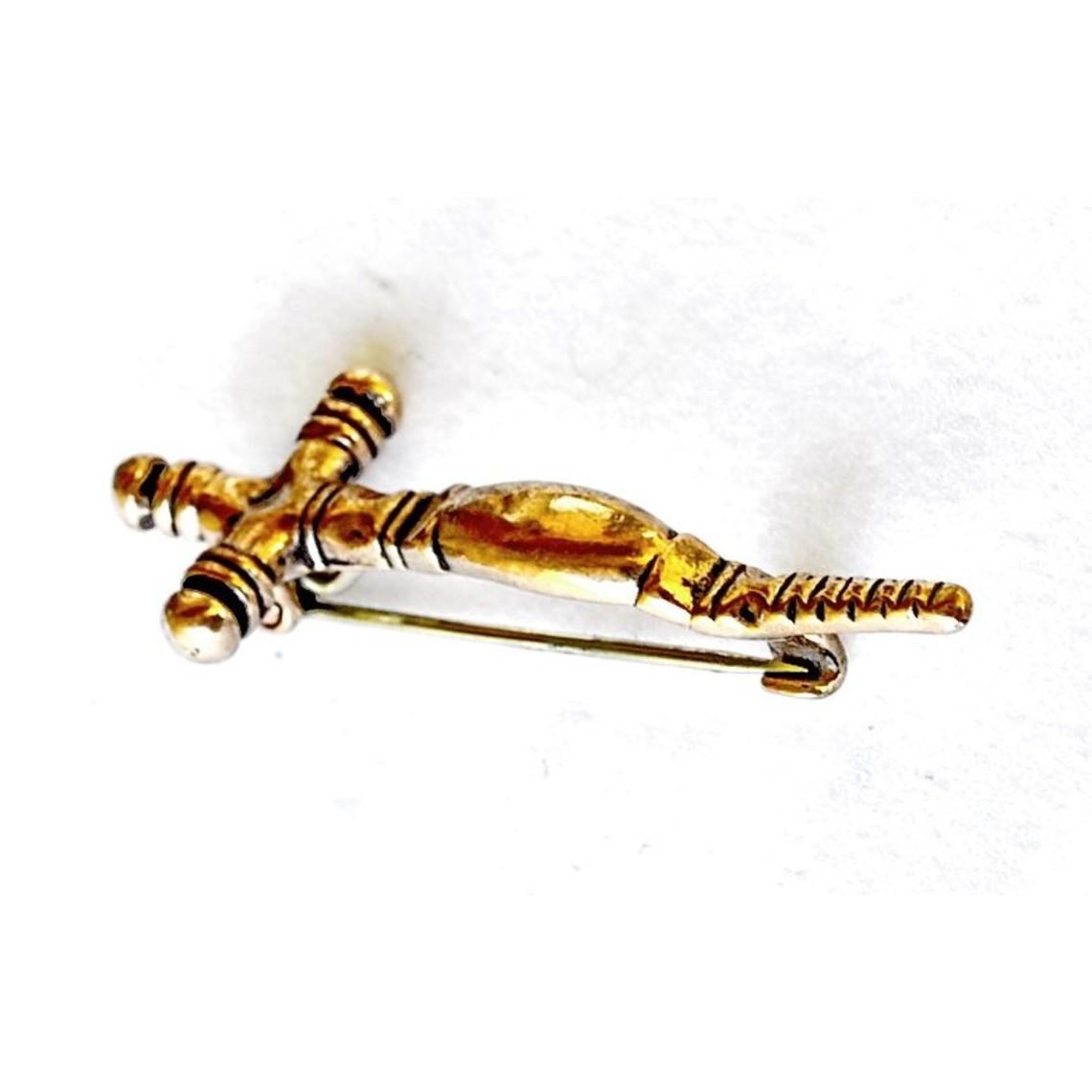 Tidlig middelalderlig kors fibula, bronze farve