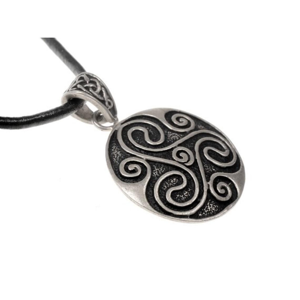 Amuleto trisquelion celta, plateado