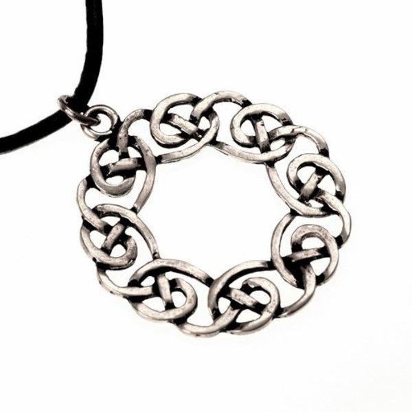Amulet Celtic krans, försilvrade