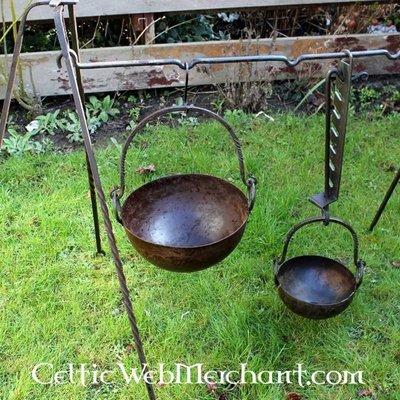 Gotowanie na ognisku i sztućcach