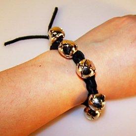 Middeleeuwse armband met belletjes, bruin
