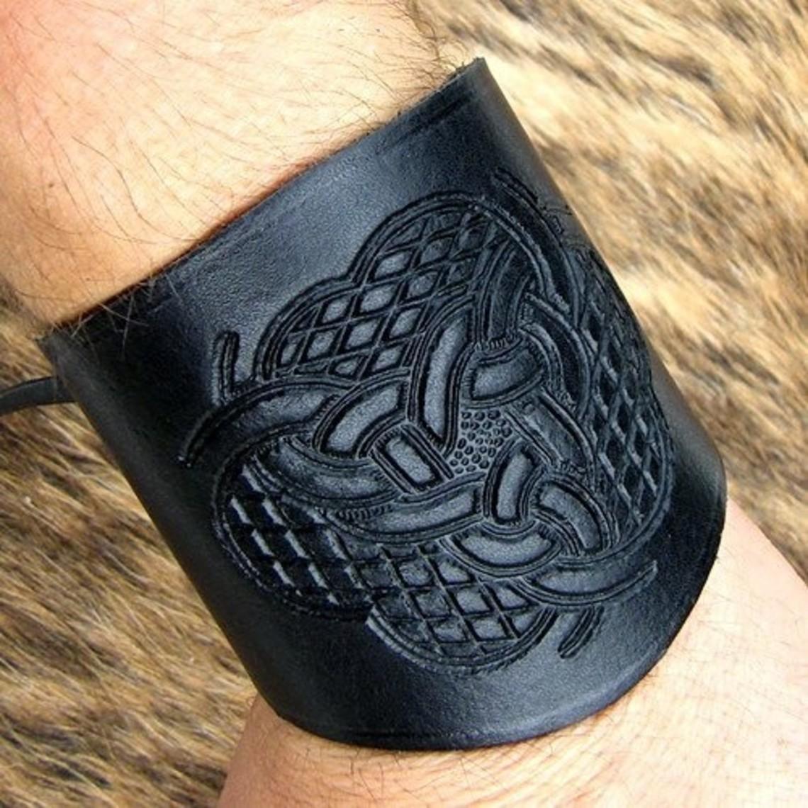 Leren onderarmbeschermer met Keltisch motief klein bruin