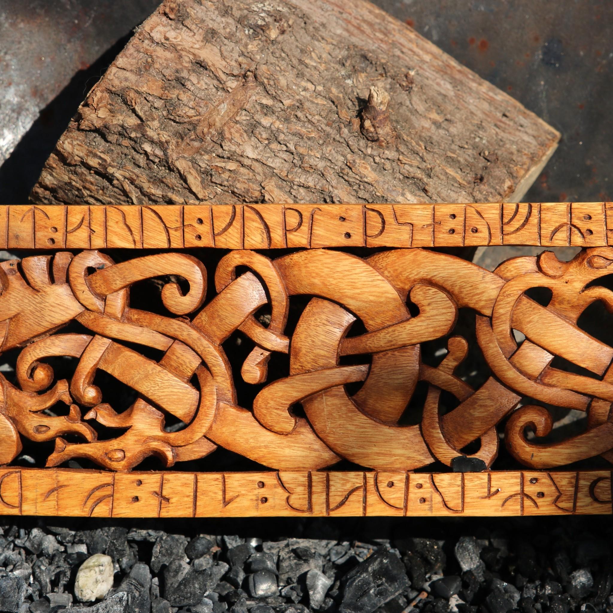 Urnes-Stil Holzschnitzwerk