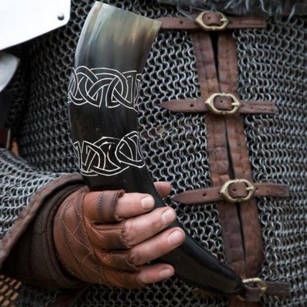 Epic Armoury Drikke horn Tara med Celtic knob, lys