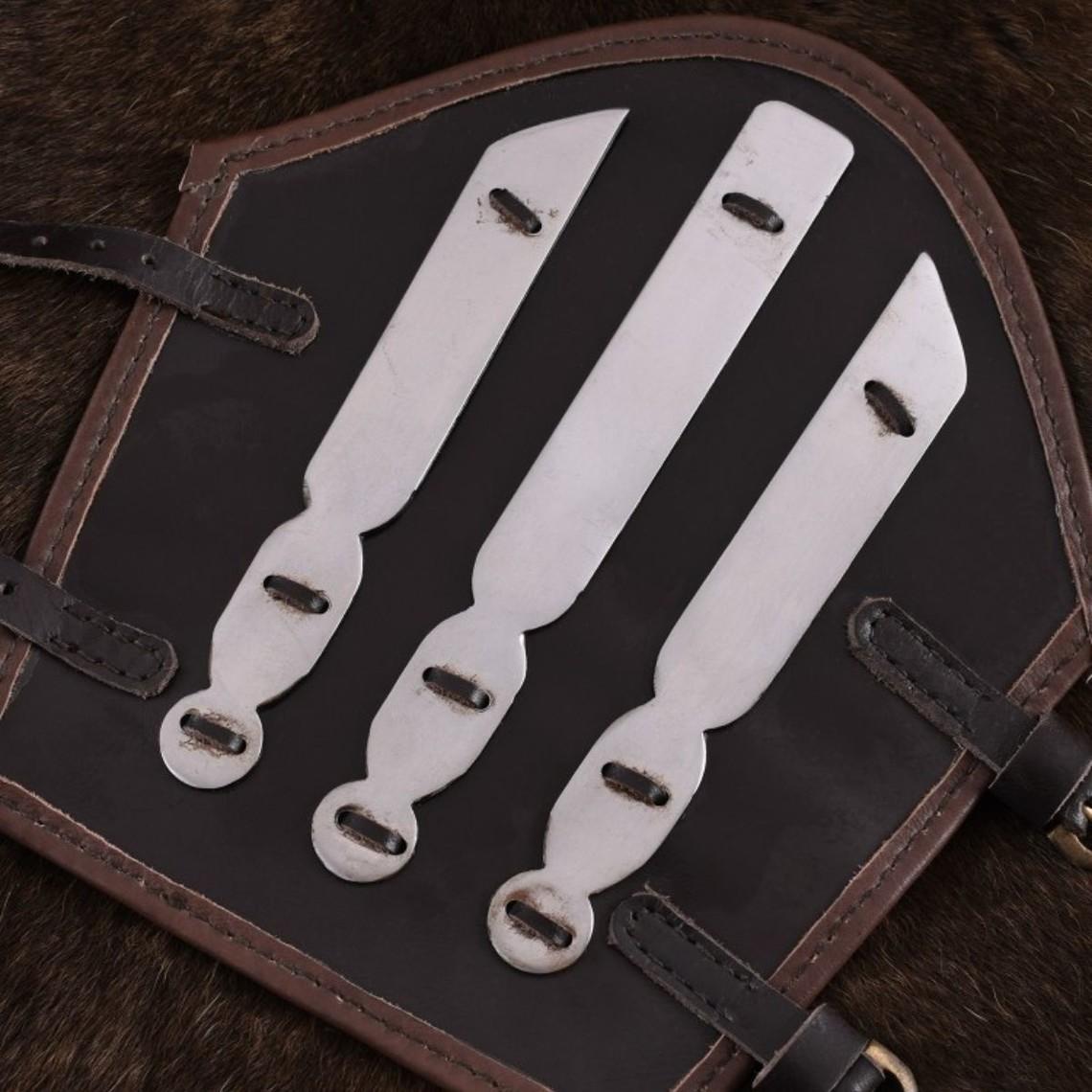 Ulfberth vambrace de cuero con tiras metálicas de Aerdwulf
