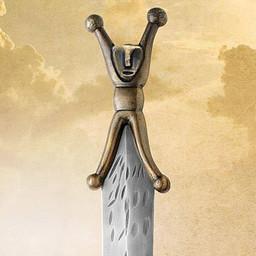 Antyczne wykończenie mieczem celtyckim