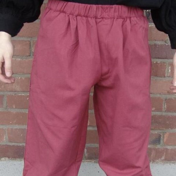 Three-quarter trousers, red