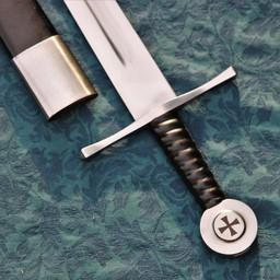 Miecz templariuszy gotowy do walki ze skórzaną pochwą