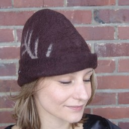 Hat with feather, brown