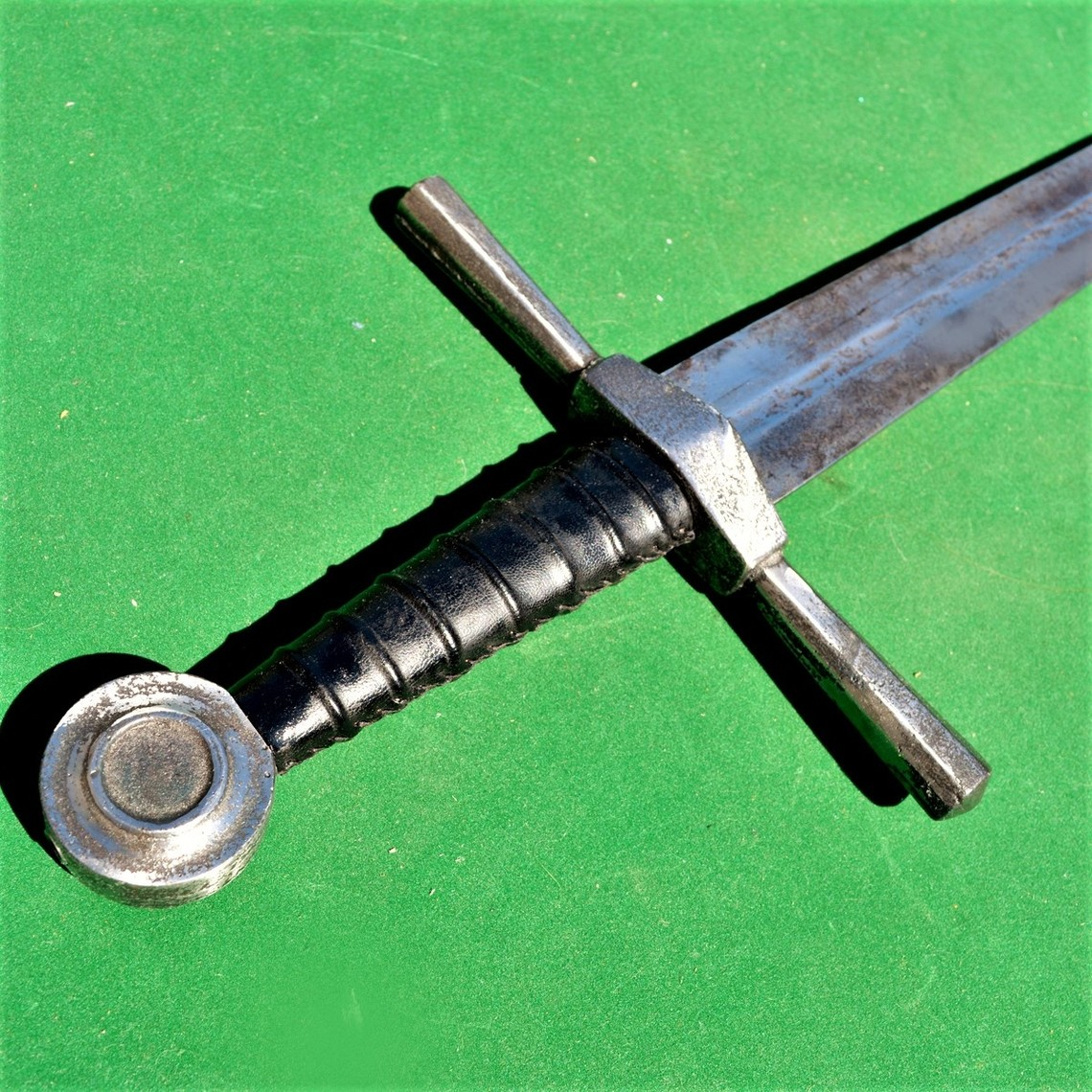 Mittelalterliches Trainingsschwert alt