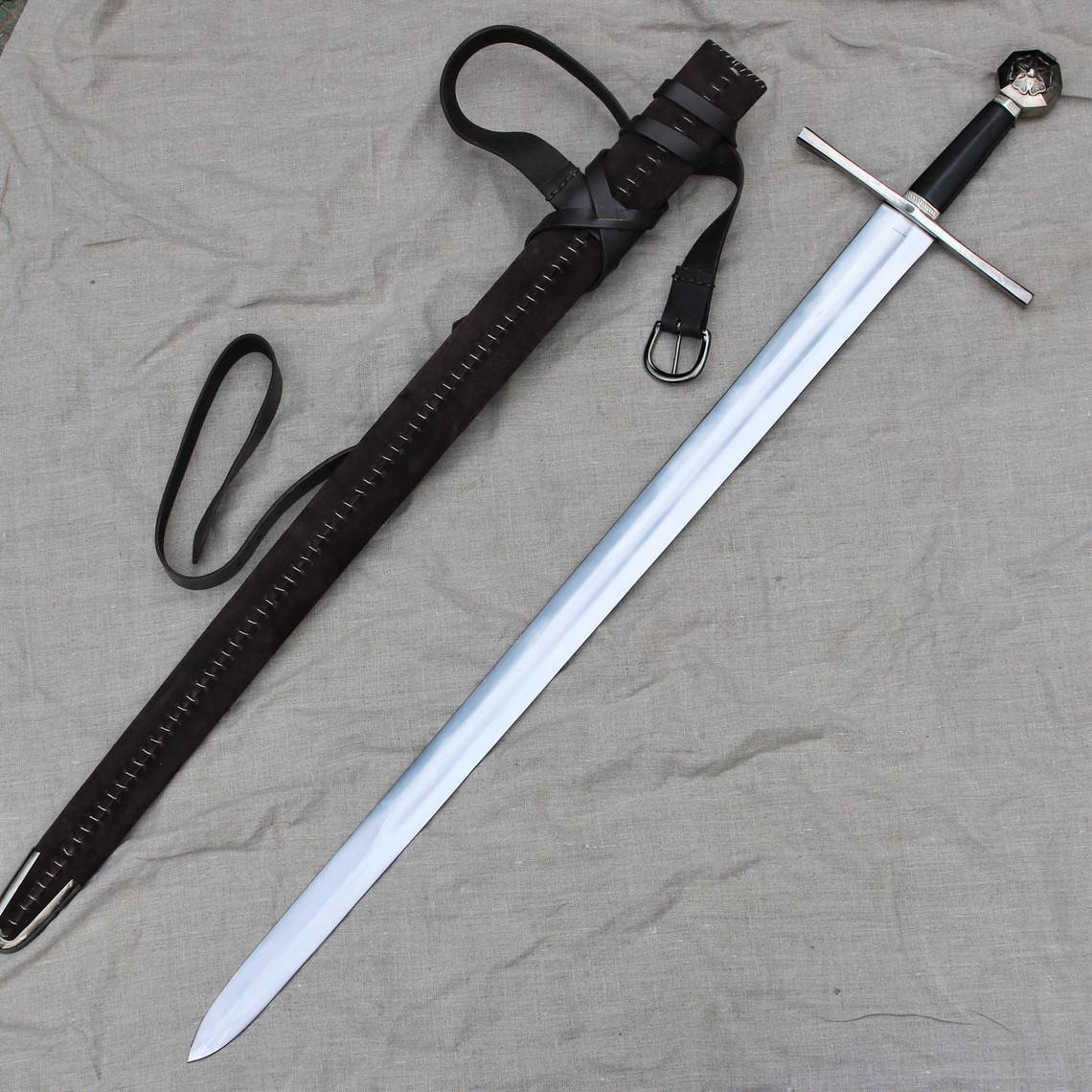 Windlass Steelcrafts Medieval knight sword Tancred of Galilee