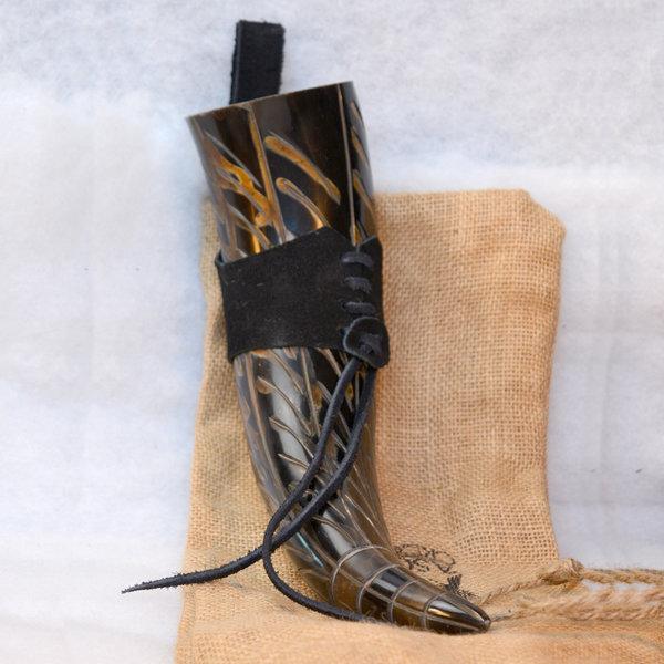 Windlass Drinking horn Gorm with leather holder