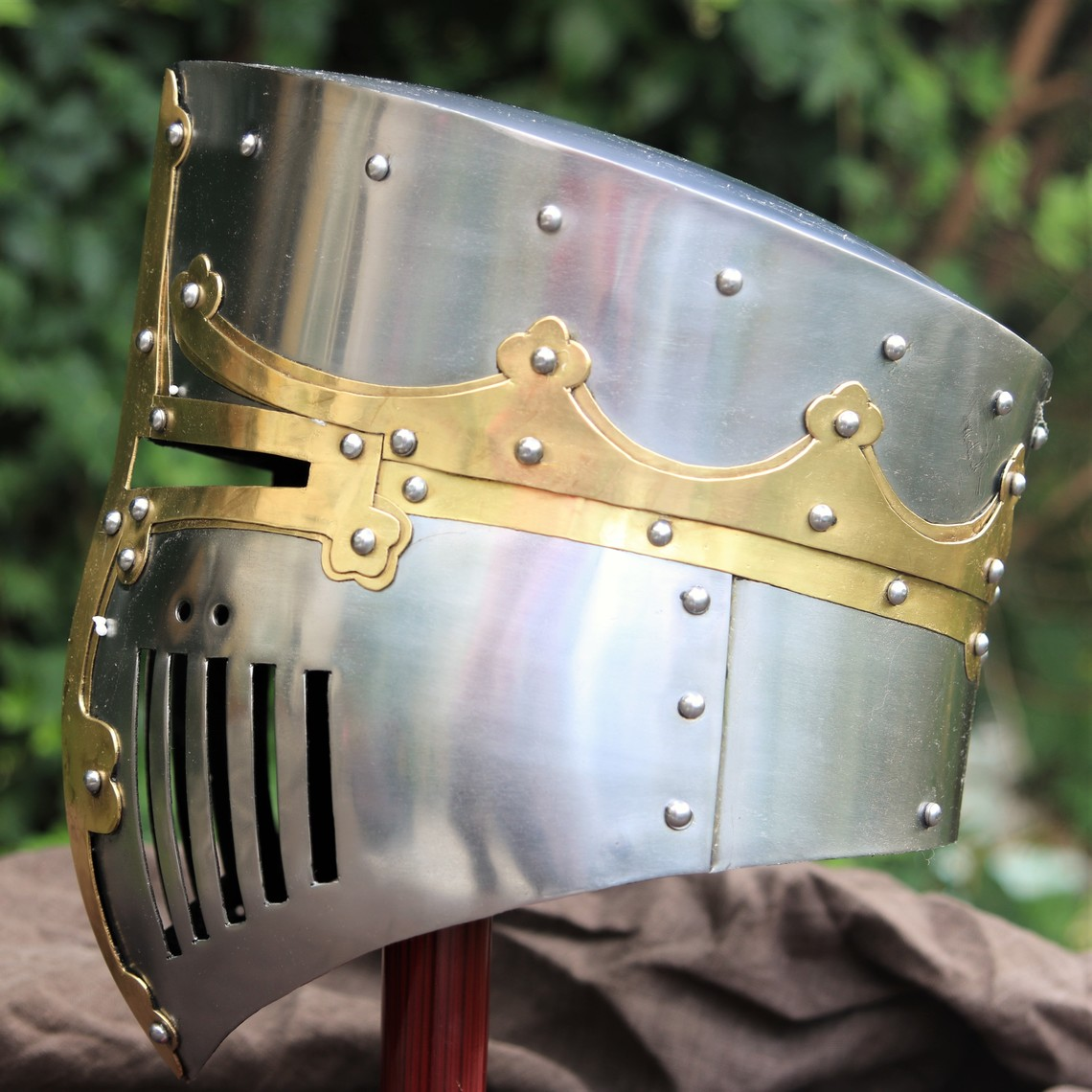 Windlass Steelcrafts Medieval bucket helmet Westminster Psalter