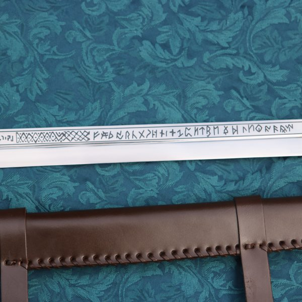 Windlass Viking Seax mit Runen British Museum