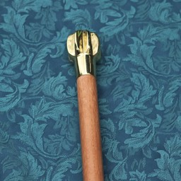 bastón de madera con una maza