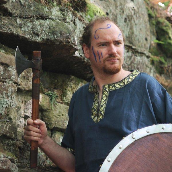 Vikingbijl Bjorn Ragnarsson met runen