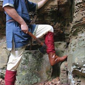 Leonardo Carbone enveloppements Leg Hredulf, rouge
