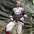 Leonardo Carbone Keltische tuniek met borduurwerk