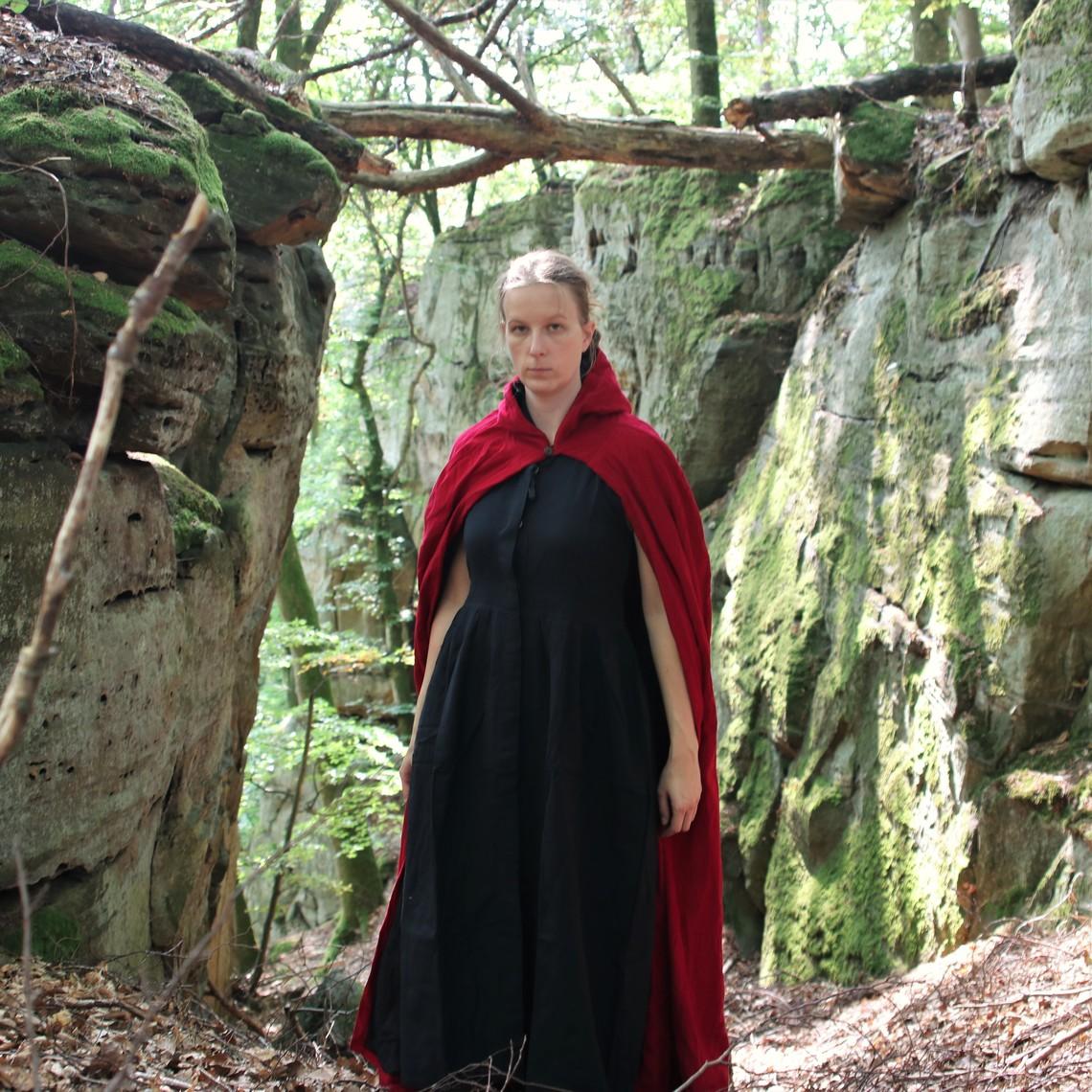 Leonardo Carbone Fluwelen mantel zonder voering, rood