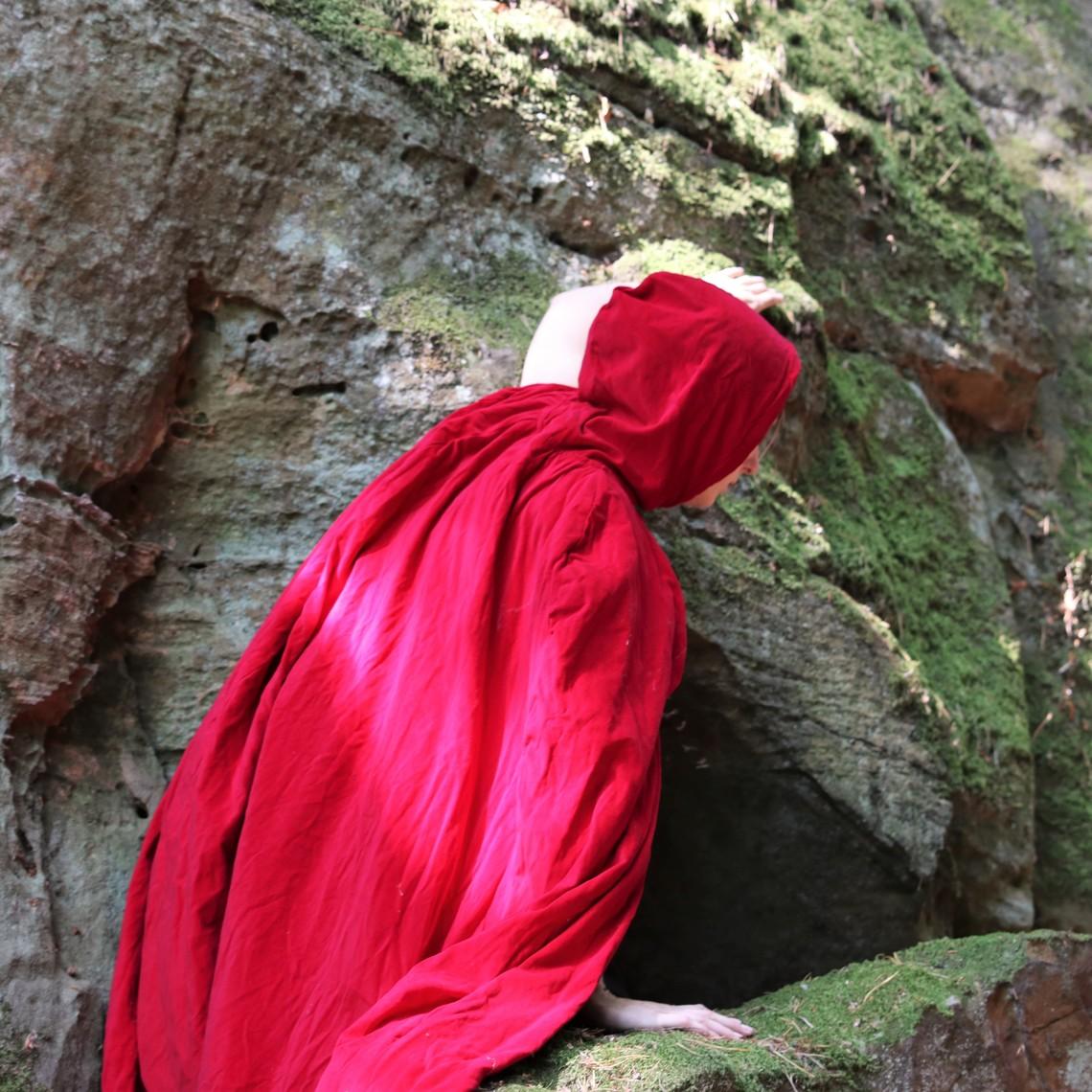 Leonardo Carbone Capa de terciopelo sin forro, rojo