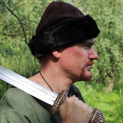 Chaperons & chapeaux viking