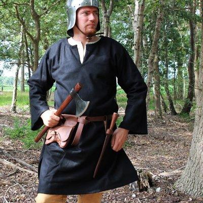 Chemises et tuniques médiévales