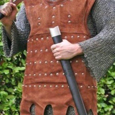Armadura vikinga en cuero & brigandines