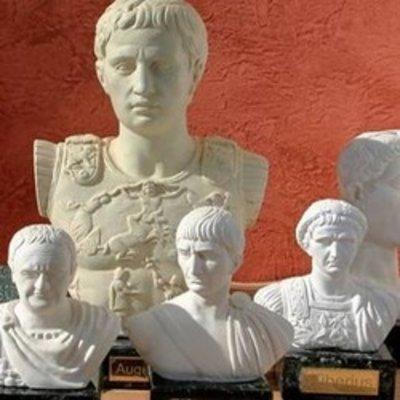 Keltiske, romerske og græske statuer