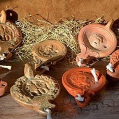 Ceramiche romane & lampada ad olio