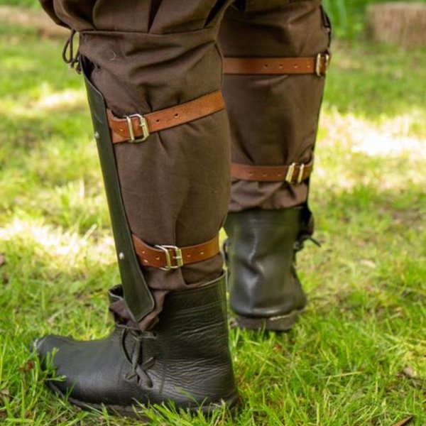 Epic Armoury Scout medieval greaves black
