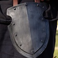 Epic Armoury Thigh rustning Kaptajn, sværtede