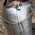 Epic Armoury Średniowieczne naramienniki Milanese, polerowane