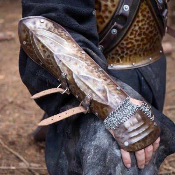 Epic Armoury Vambraces Raider