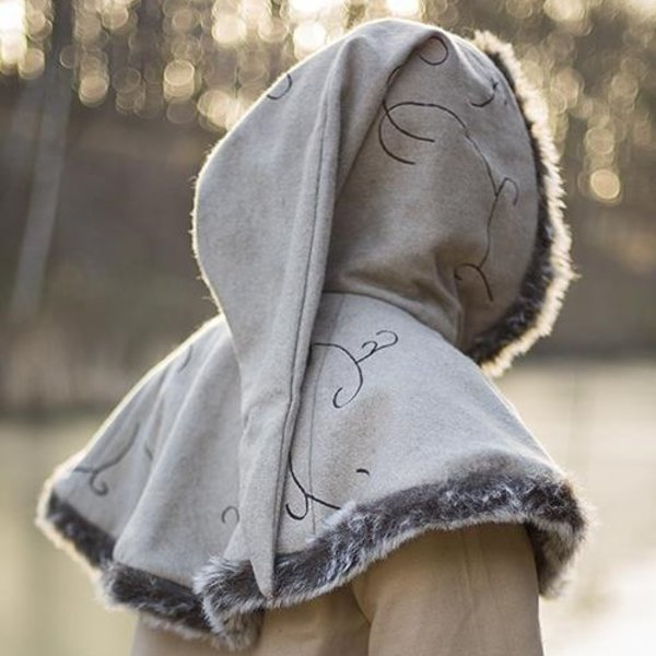 Epic Armoury Pelliccia cappa Gisla, grigio