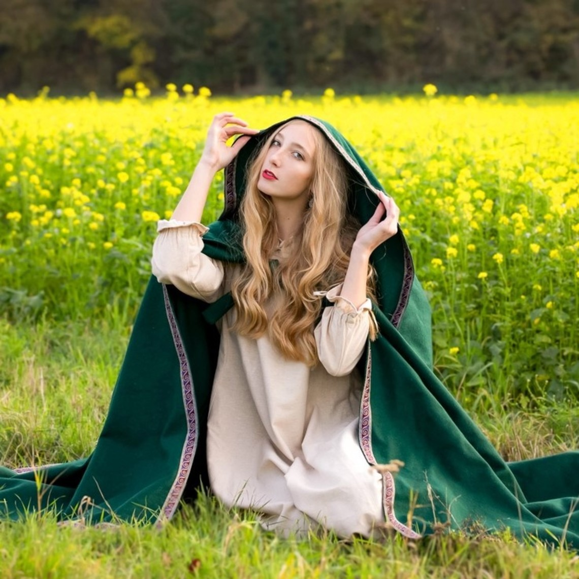 Leonardo Carbone Gestickte Mantel Lyra, grün
