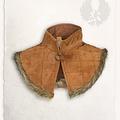 Mytholon Gambeson collare Nimue pelle scamosciata marrone chiaro