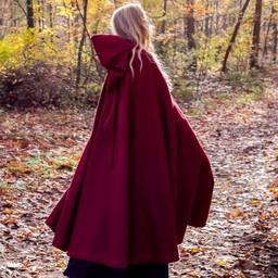 Broderade mantel Damia med fibula, röd