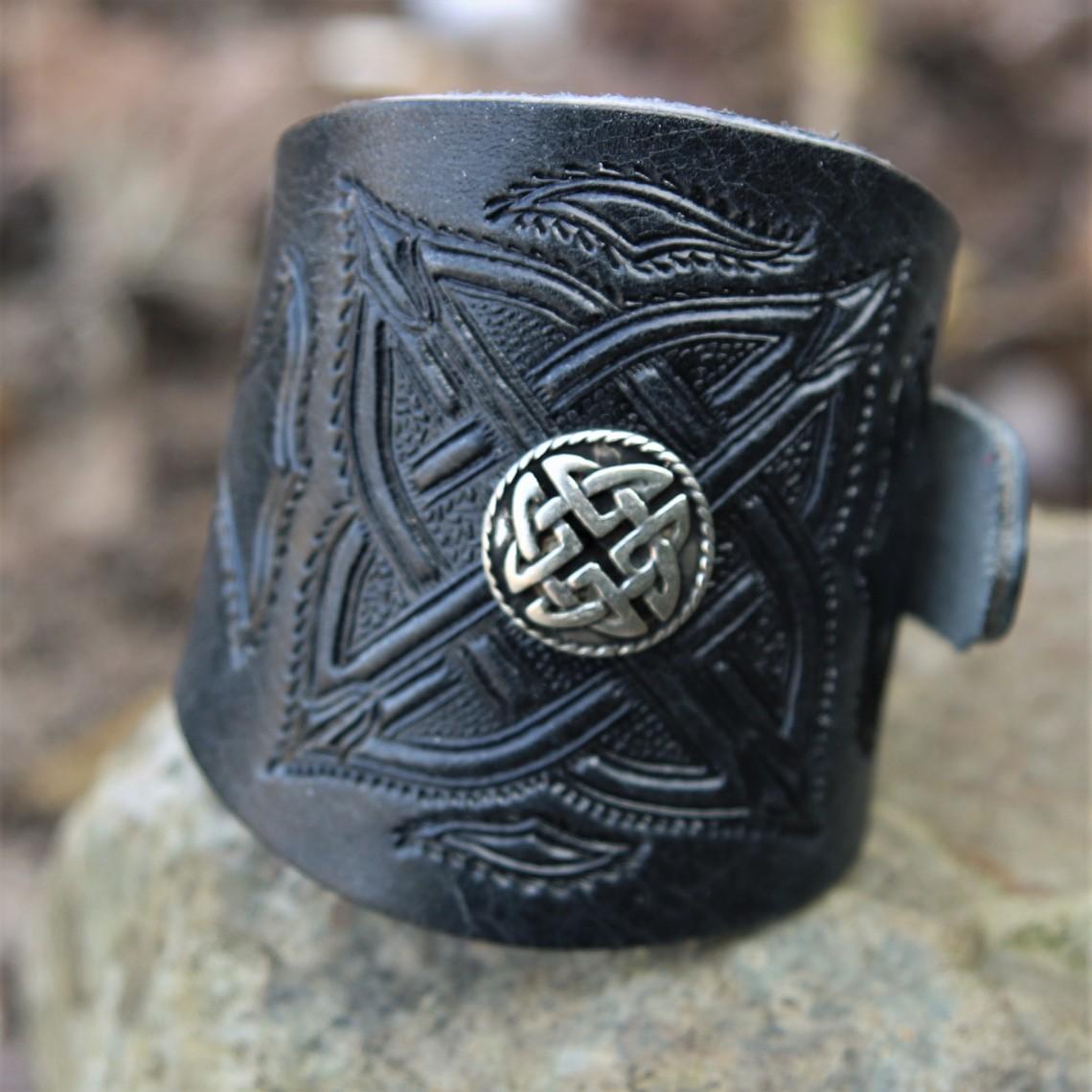 Keltische leren armband met gespen, zwart