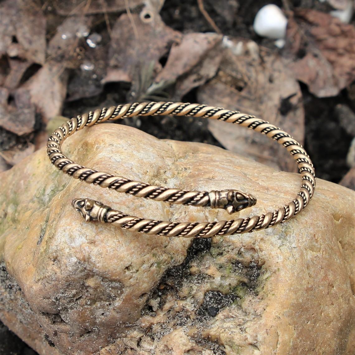 Viking oberen Armband mit Wolf Köpfen, Bronze