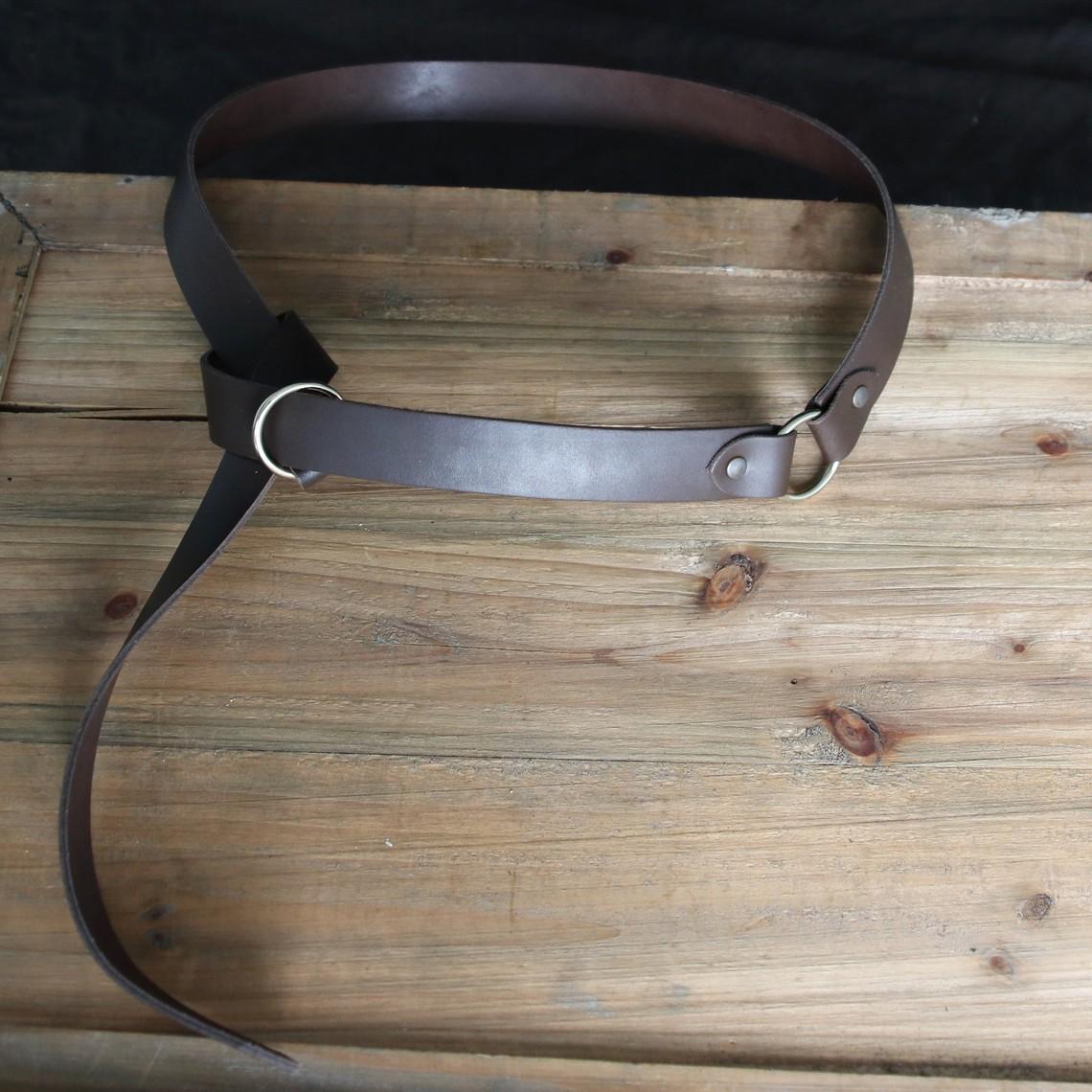 Ceinture en cuir avec boucle en anneau, cuir fendu brun