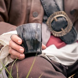 Horn cup, dark