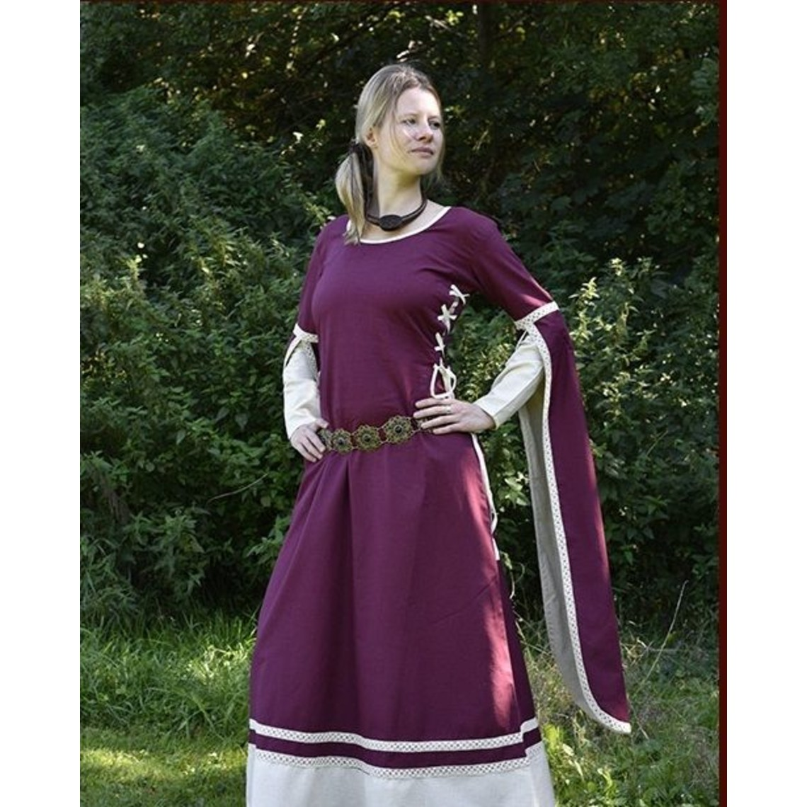 Medieval Dress Dorothee, Borgoña / color natural