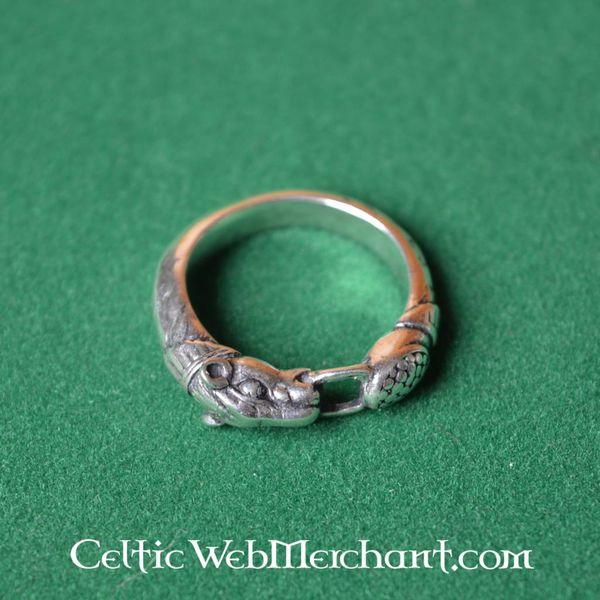 Bronzen vikingring met hondenkoppen